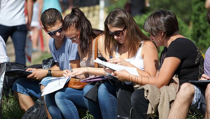 Veşti bune pentru studenţi! Va fi majorat numărul de burse acordat de China pentru tinerii moldoveni