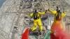 Tipii aceştia sunt nebuni! Doi francezi au doborât recordul mondial la sărituri de pe clădiri (VIDEO)