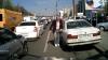 Scântei şi înjurături în trafic! Gestul unui şofer din capitală i-a revoltat pe doi bărbaţi (VIDEO)