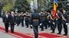 NO COMMENT! Nicolae Timofti uită să onoreze drapelul de stat (VIDEO)