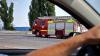 Incendiu devastator la Fabrica de sticlă din Chişinău! Trei echipe de pompieri au mers să stingă flăcările (VIDEO)