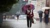 La noapte va continua să plouă, iar meteorologii anunţă vreme mohorâtă şi în weekend
