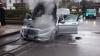 Un Mercedes-Benz S-Class, în flăcări. Trei autospeciale şi 18 pompieri au intervenit pentru a stinge focul (FOTO)