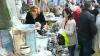 Moldovenii au luat cu asalt pieţele pentru a cumpăra pomeni. Vezi ce au preferat să procure în acest an