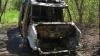 Surpriză într-o pădure din Sângera! Proprietarul şi-a găsit microbuzul INCENDIAT (VIDEO)