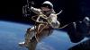 """Primul """"selfie"""" din Cosmos. Un astronaut american s-a fotografiat pe sine însuşi pe orbita terestră"""