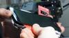De ce este riscant să încerci să repari un Galaxy S5