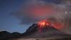 IMPRESIONANT! Un vulcan ce erupe, văzut din spaţiu