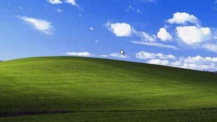 Cel mai cunoscut wallpaper din lume pentru Windows XP s-a schimbat enorm. Cum arată acum legendara câmpie (FOTO)