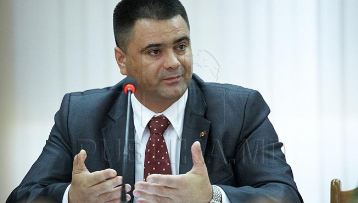 Fostul ministru al Apărării Marinuţa explică de ce a dispărut din spaţiul public şi îşi doreşte o discuţie privată cu şeful statului