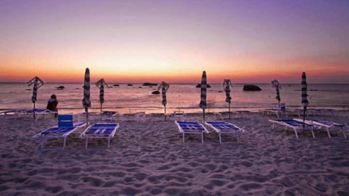 Visezi deja la vacanţa de vară? Îţi prezentăm topul celor mai frumoase plaje din lume (FOTO)