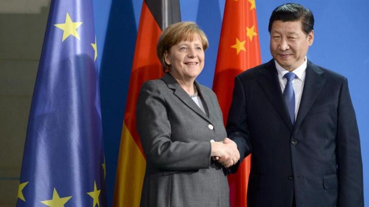 Răzbunare sau generozitate? Angela Merkel i-a făcut un dar liderului de la Beijing care l-ar înfuria pe Vladimir Putin (FOTO)