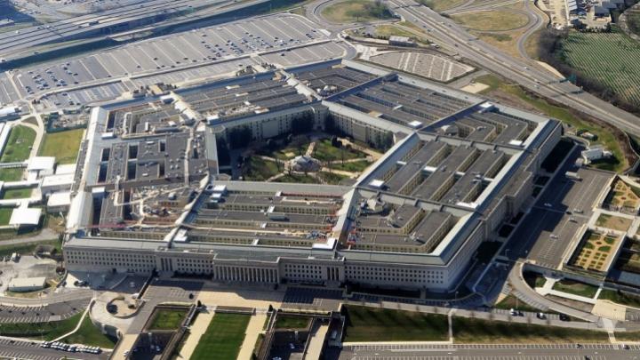 PENTAGONUL CONFIRMĂ că un avion militar rus a urmărit nava USS Donald Cook în Marea Neagră