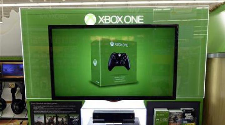 Microsoft anunţă vânzări record ale consolei Xbox One, dar oricum rămâne în urma rivalului Sony