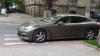 Automobil de lux, parcat CU NESIMŢIRE pe strada Mihai Eminescu din Chişinău (FOTO)