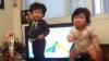 Doi bebeluşi fac SENZAŢIE pe Internet (VIDEO)