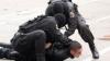 Reținere cu focuri de armă și mascați! Oamenii legii au anihilat o grupare care vindea droguri (VIDEO)