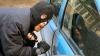 Aventurile unui hoţ ghinionist. Un tânăr povesteşte cum a furat trei maşini de la Buiucani (VIDEO)
