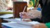 Surprize înainte de BAC! Unele ghiduri de pregătire pentru examene conţin erori grave (VIDEO)