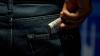 Şi-a mărit singur pedeapsa. Un tânăr a vrut să mituiască un om al legii pentru a scăpa de un dosar penal (VIDEO)