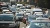 """Cei mai """"grăbiţi"""" şoferi! Au făcut depăşiri pe contrasens şi au trecut la culoarea roşie a semaforului (VIDEO)"""