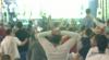 Microbiştii moldoveni şi-au clătit în bere emoţiile provocate de duelul Real-Atletico (VIDEO)