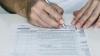Scandal la un centru de sănătate din Bălţi! Registrele de evidenţă a pacienţilor au ajuns pe mâna recenzorilor (VIDEO)