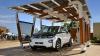 Garajul cu panouri solare pentru încărcarea maşinilor electrice (FOTO)
