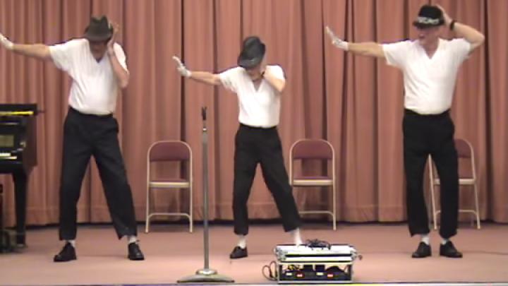 """""""Dacă mergi, înseamnă că poţi să şi dansezi""""! Trei pensionari au făcut show pe ritmurile melodiei lui Michael Jackson (VIDEO)"""