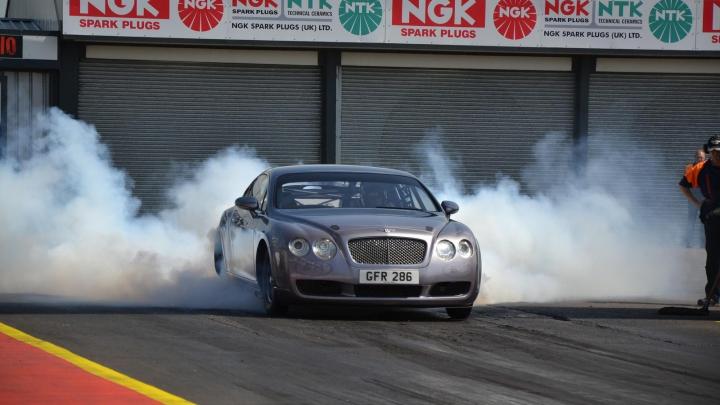 Cel mai puternic Bentley din lume aparţine unui bărbat din Marea Britanie. Află câţi cai putere are maşina