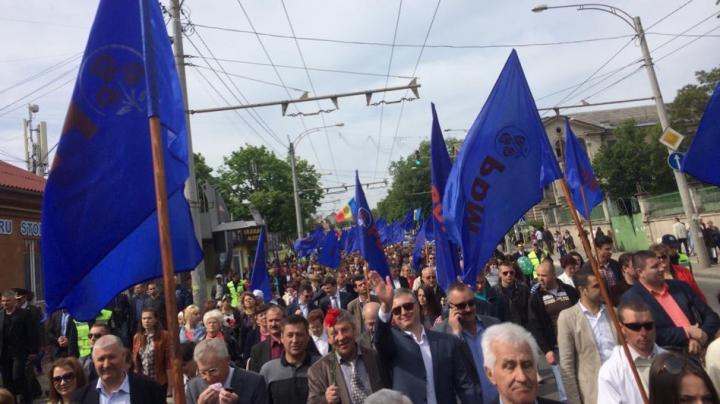 Partidul Democrat a organizat un marş grandios cu ocazia Zilei Victoriei