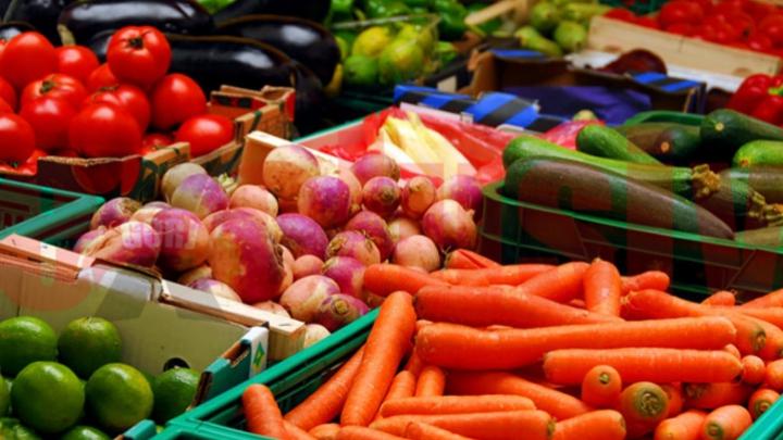 Bine de ştiut! 10 alimente pe care nu ar trebui să le ţii NICIODATĂ în frigider