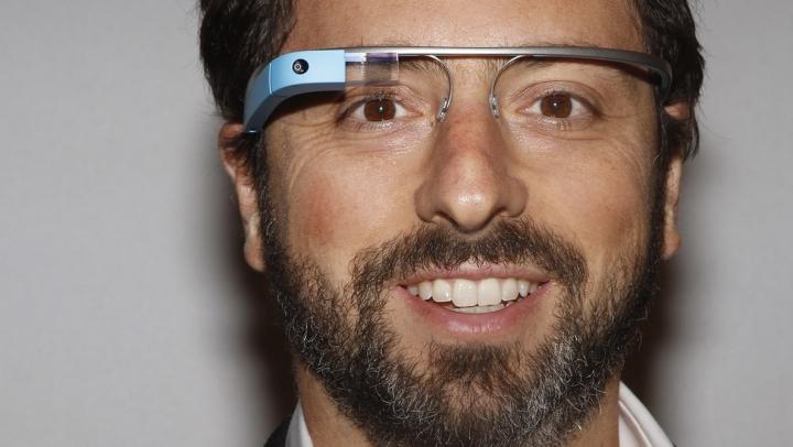 Deşi au fost primiţi cu entuziasm, se dovedeşte că ochelarii Google îţi pot distruge vederea