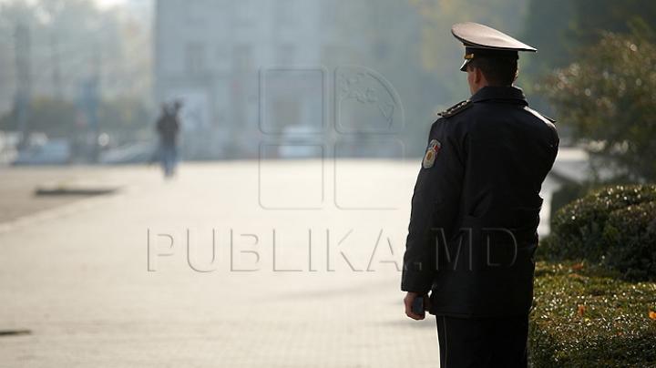 Un poliţist din Rezina, CONDAMNAT la puşcărie. Omul legii a bătut un bărbat