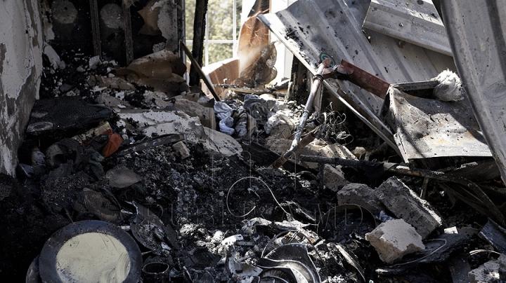 FOTOGRAFIILE DURERII. Ce a mai rămas din locuinţele de la mansarda mistuită de flăcări