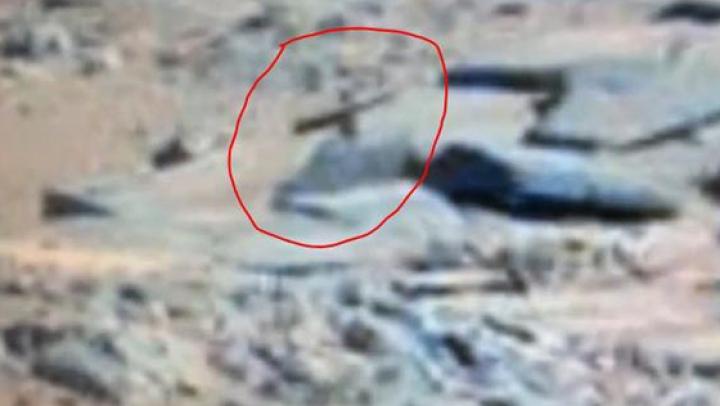 Descoperire ciudată pe Marte. O nouă imagine transmisă de roverul Curiosity naște controverse (FOTO)