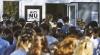 Examen de Bacalaureat la limba română. Mai mulţi elevi au venit însoţiţi de părinţi şi prieteni (VIDEO)