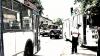 Accident la Bălţi. Un troleibuz plin cu pasageri a intrat într-un gard (VIDEO)