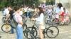 Zeci de tinere au marcat Ziua Internaţională a Iei printr-o cursă pe biciclete (VIDEO)