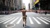 Dans şi veselie pe străzile oraşului New York. Mii de oameni au participat la o paradă a minorităţilor sexuale
