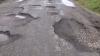 La un an de la reparaţia capitală, drumul Cantemir-Comrat a ajuns să arate jalnic (VIDEO)