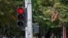 Dimineaţă de coşmar la Buiucani: Un troleibuz trece la roşu, iar un şofer face o depăşire periculoasă (VIDEO)