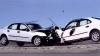 GROAZNIC! Un bărbat a fost aruncat la câţiva metri, după ce două maşini s-au lovit pe o stradă din Tiraspol (VIDEO)