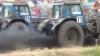 Competiţie dură în oraşul Rostov pe Don. Fermierii şi-au măsurat puterile la un raliu cu tractoare (VIDEO)