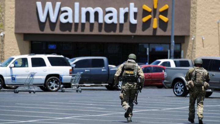 Doi poliţişti au fost împuşcaţi în timp ce luau prânzul într-o pizzerie din oraşul american Las Vegas