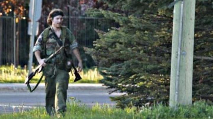 Bărbatul care a terorizat un oraş liniştit din Canada a fost prins