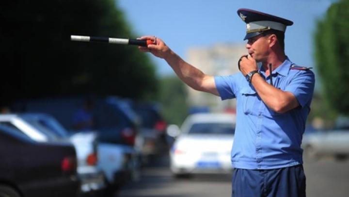 Caz incredibil în Rusia! Cum s-a răzbunat un şofer violent pe doi poliţişti care l-au oprit
