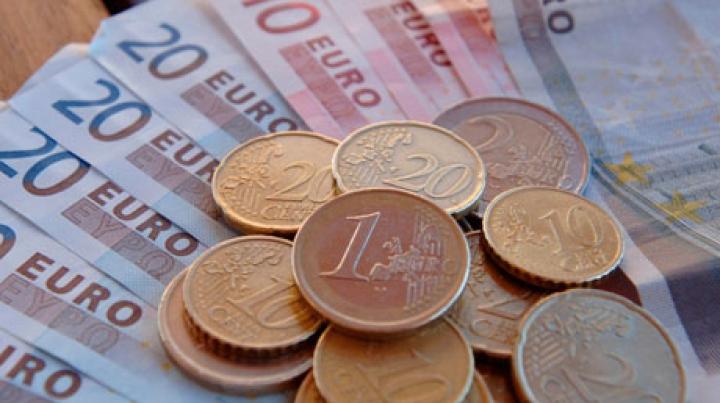 Euro va deveni monedă oficială în prima ţară care a ieşit din componenţa URSS