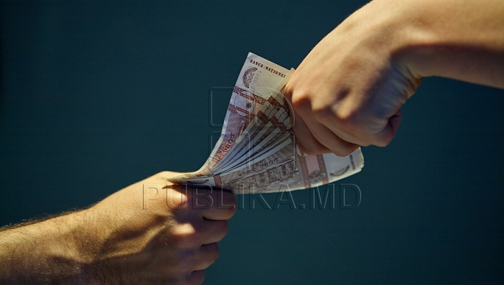 Metoda ilegală prin care un bărbat din Peresecina extorca bani de la o femeie