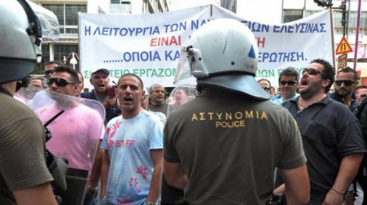 Grecii nu pot ieşi din mreaja lipsei locurilor de muncă
